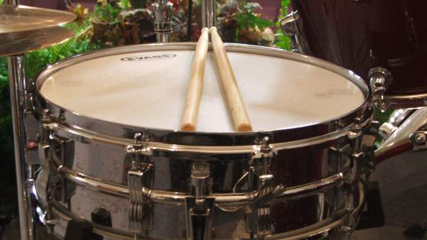 Side Drum with drum sticks